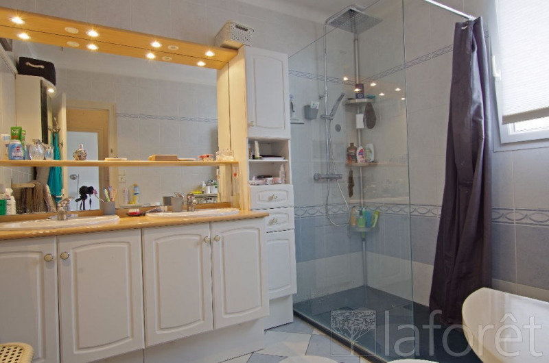 Investment property house / villa Cholet 135500€ - Picture 5