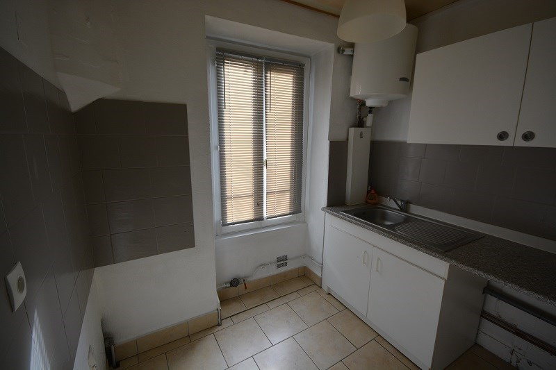 Verkoop  appartement Bourgoin jallieu 85000€ - Foto 2