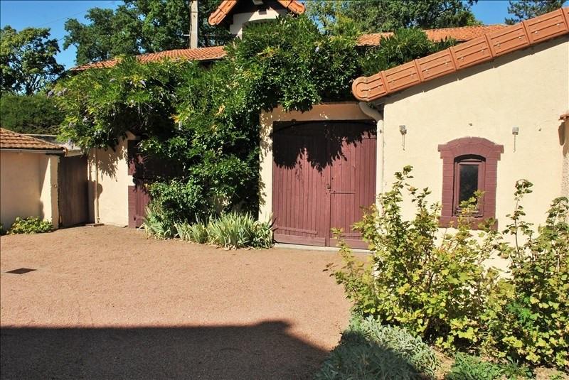 Deluxe sale house / villa Le coteau 395000€ - Picture 2