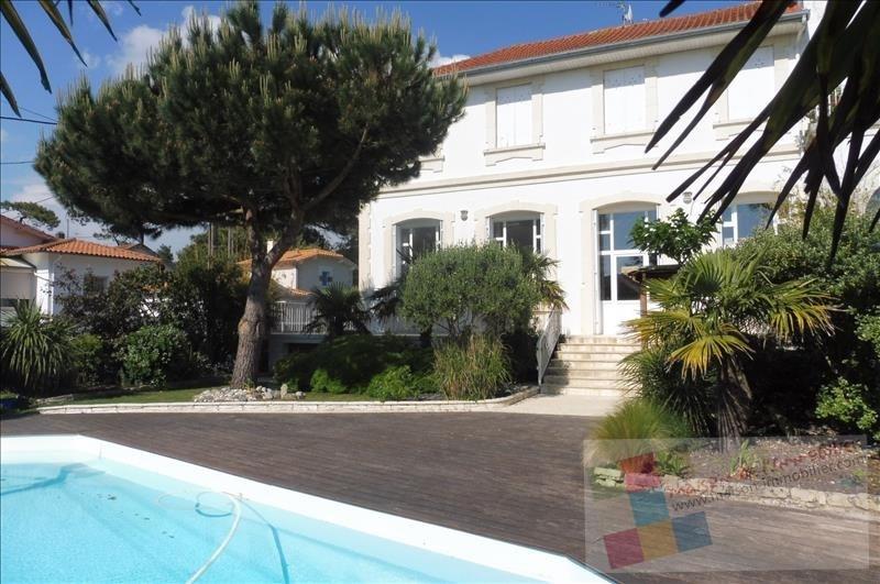Deluxe sale house / villa Proximite royan 832000€ - Picture 1