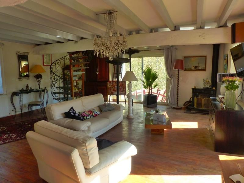 Sale house / villa Iteuil 446 250€ - Picture 8