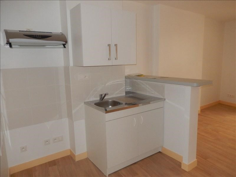 Rental apartment Le puy en velay 321,75€ CC - Picture 2