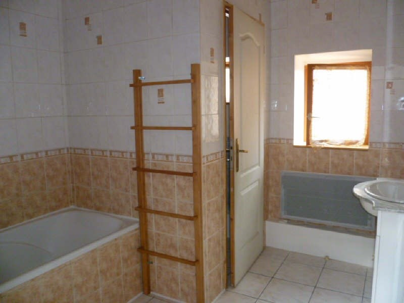 Rental house / villa Chatonnay 630€cc - Picture 4