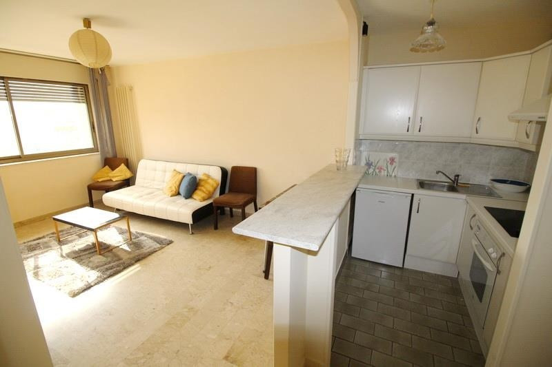 Location appartement Nice 835€ CC - Photo 2