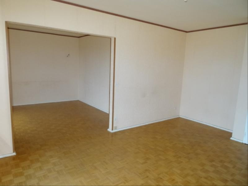 Location appartement Villefranche sur saone 899€ CC - Photo 2