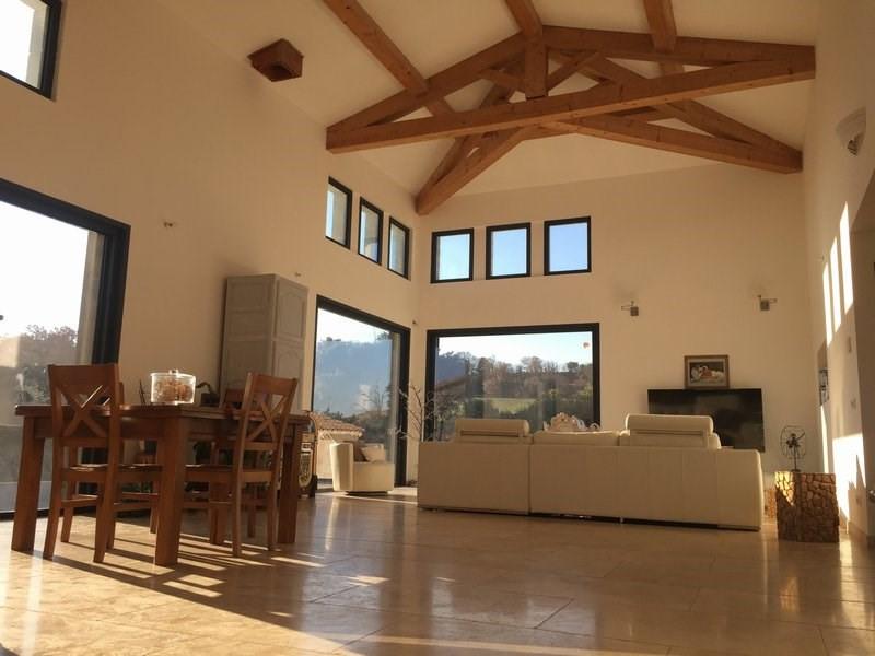 Deluxe sale house / villa Courthezon 679000€ - Picture 2