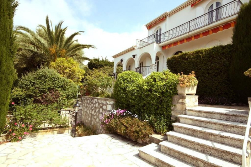 Deluxe sale house / villa Antibes 1 080 000€ - Picture 4