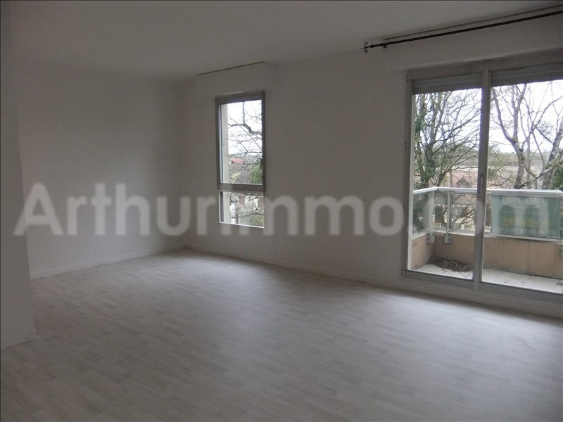 Rental apartment St jean de braye 390€ CC - Picture 1