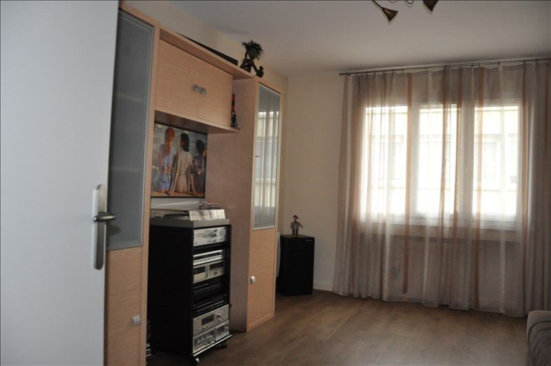 Sale apartment Oyonnax 142000€ - Picture 2