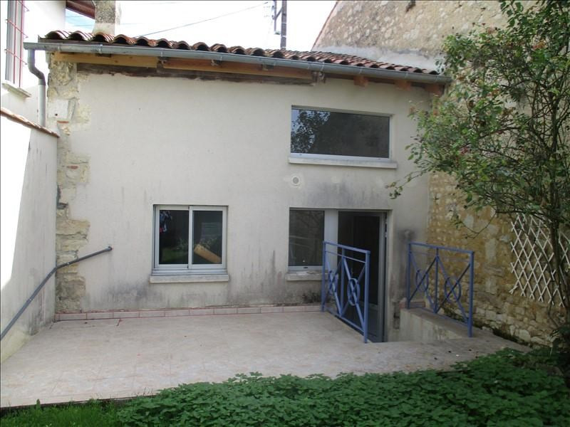 Rental house / villa St jean d angely 492€ CC - Picture 1