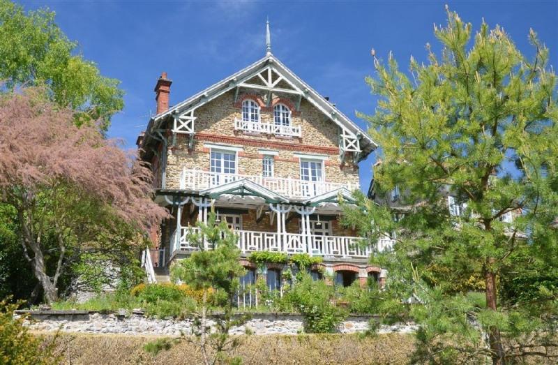 Sale house / villa Fontaine le port 695000€ - Picture 1
