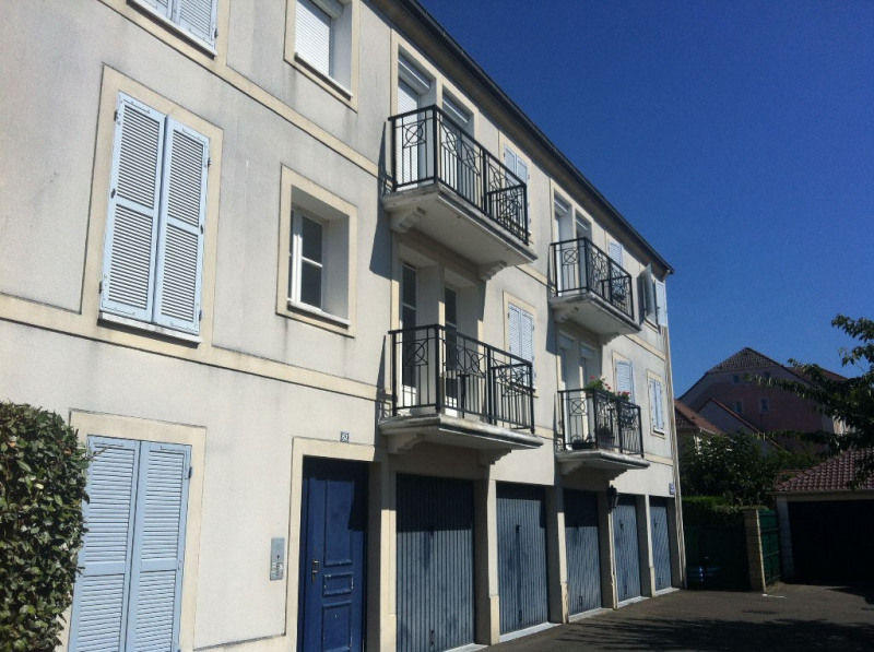 Location appartement Carrieres sous poissy 729€ CC - Photo 1