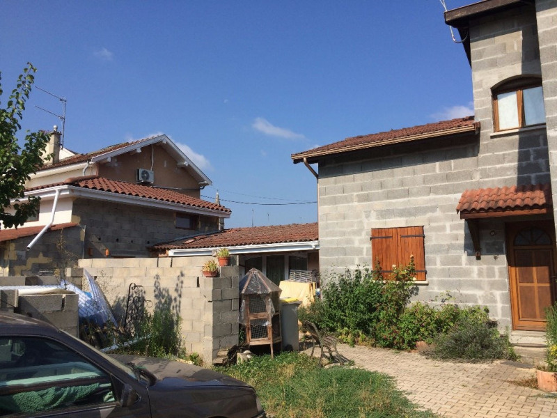 Sale house / villa Bourgoin jallieu 199000€ - Picture 2