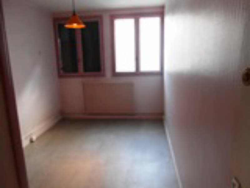 Location local commercial Ste foy les lyon 750€ HT/HC - Photo 2