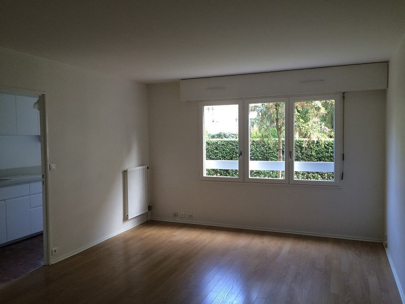 Rental apartment Paris 20ème 1268€ CC - Picture 3