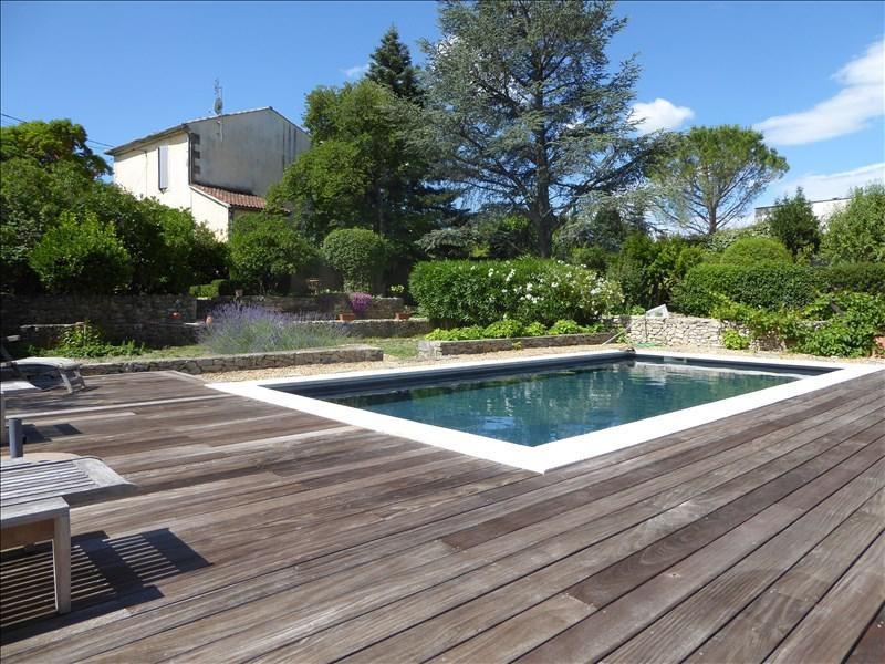 Deluxe sale house / villa Nimes 990000€ - Picture 1