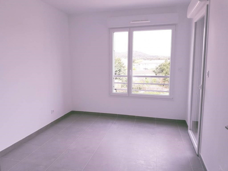 Location appartement Les angles 540€ CC - Photo 2