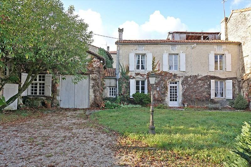 Vente maison / villa Saint-amant-de-boixe 199000€ - Photo 1