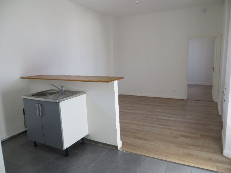 Rental apartment Clermont ferrand 437€ CC - Picture 2