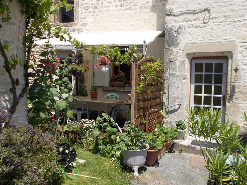 Sale house / villa Aulnay 107000€ - Picture 1
