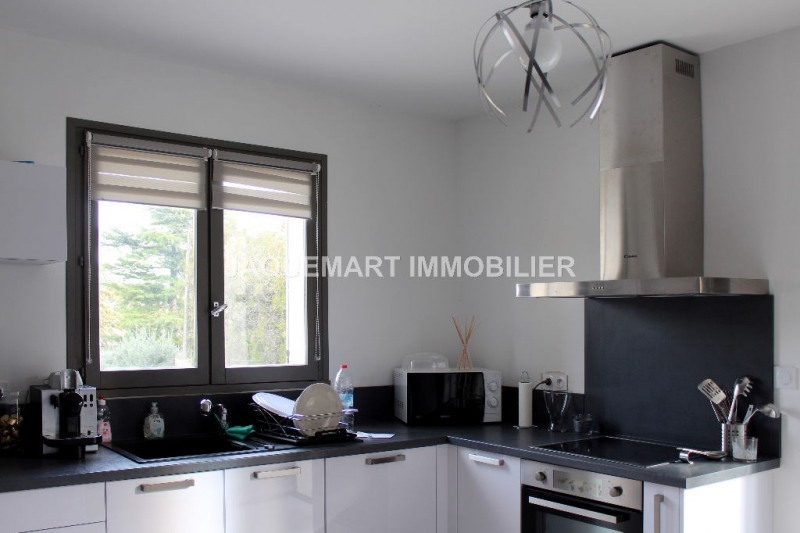 Sale house / villa Lambesc 399000€ - Picture 2