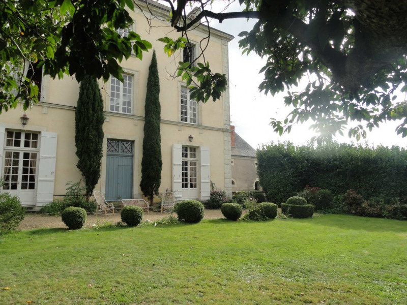 Deluxe sale house / villa Angers 15 mn nord 760000€ - Picture 1