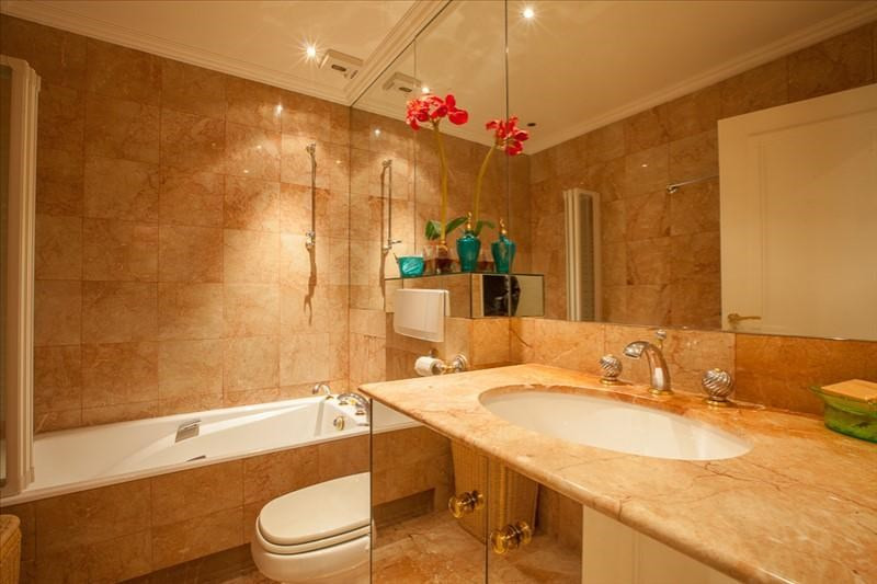 Deluxe sale apartment Le golfe juan 550000€ - Picture 2