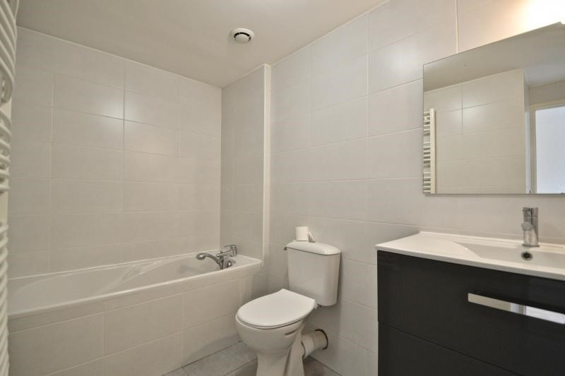 Sale apartment Dardilly 81000€ - Picture 2