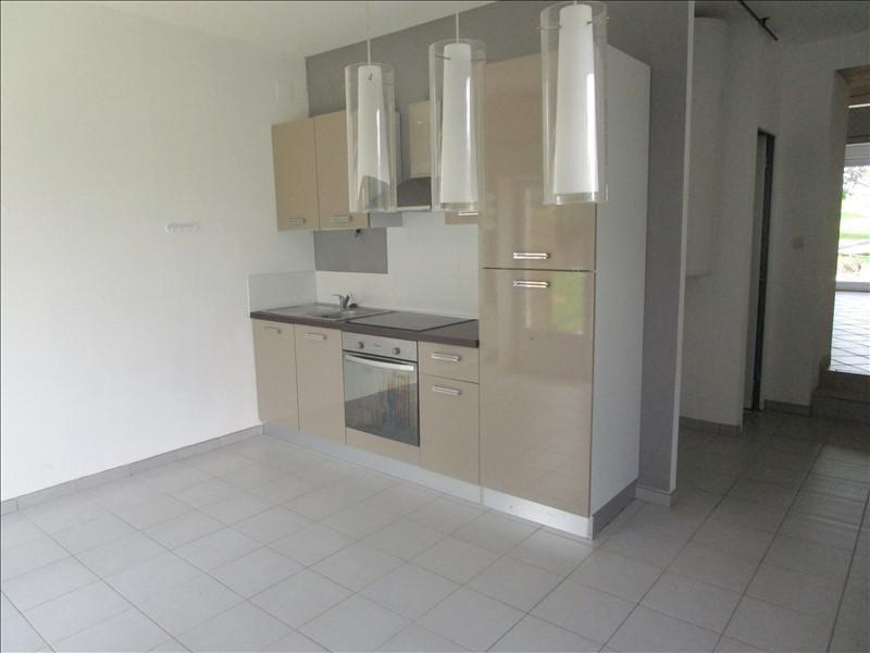 Rental house / villa St pierre de juillers 520€ +CH - Picture 2