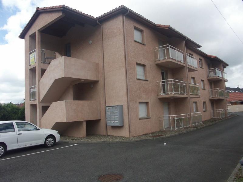 Location appartement Tarbes 429€ CC - Photo 1