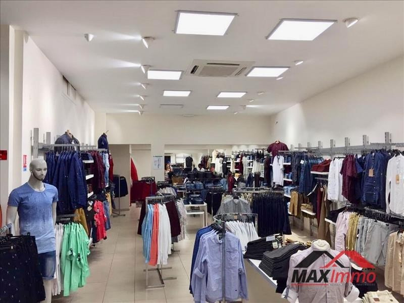 Location local commercial Le tampon 4000€ HT/HC - Photo 1