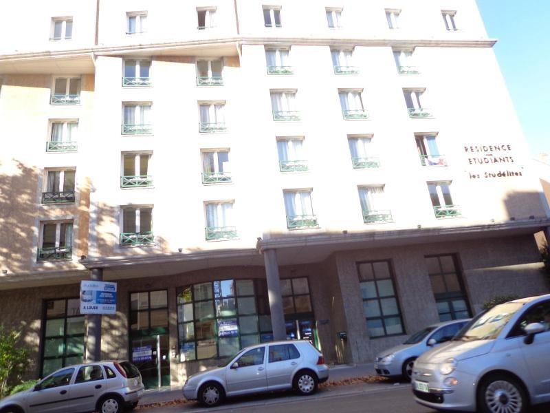 Location appartement Lyon 8ème 585€ CC - Photo 9