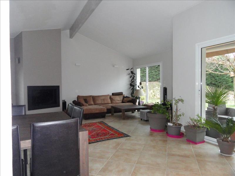 Sale house / villa St clair du rhone 370000€ - Picture 5