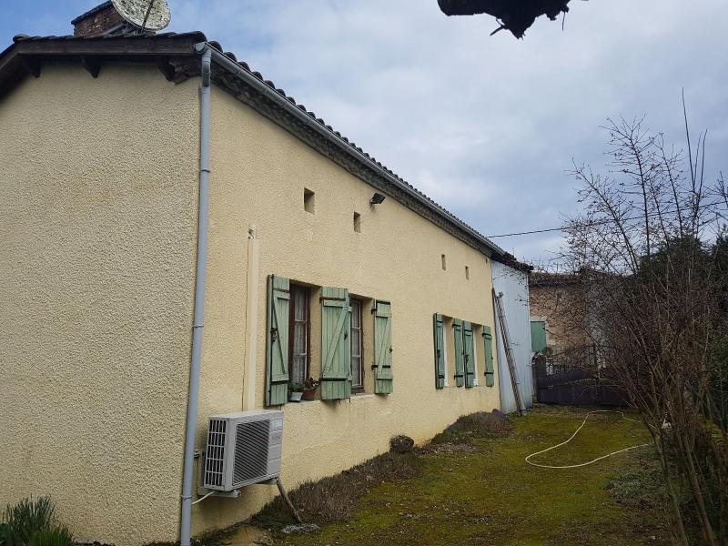 Sale house / villa St martin de coux 127200€ - Picture 2