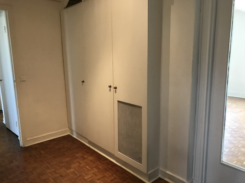 Location appartement Paris 16ème 2 250€ CC - Photo 5