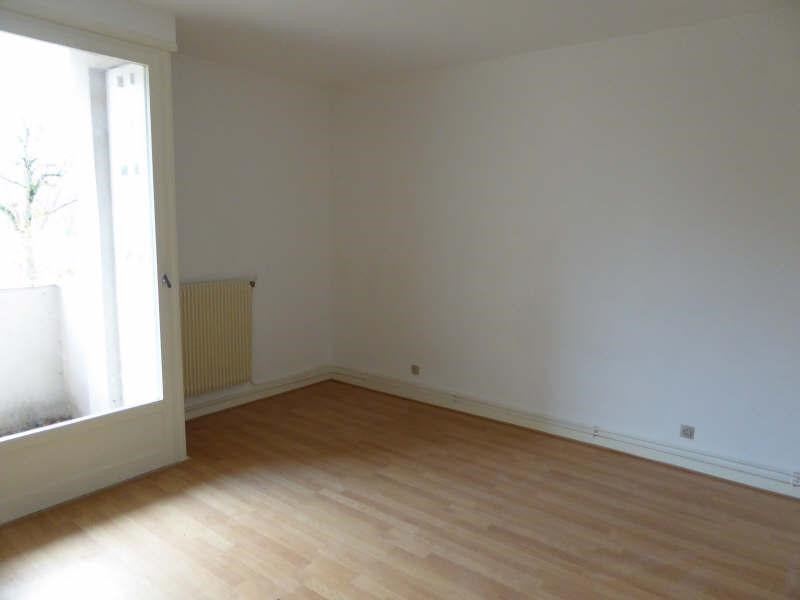Rental apartment Maurepas 625€ CC - Picture 1
