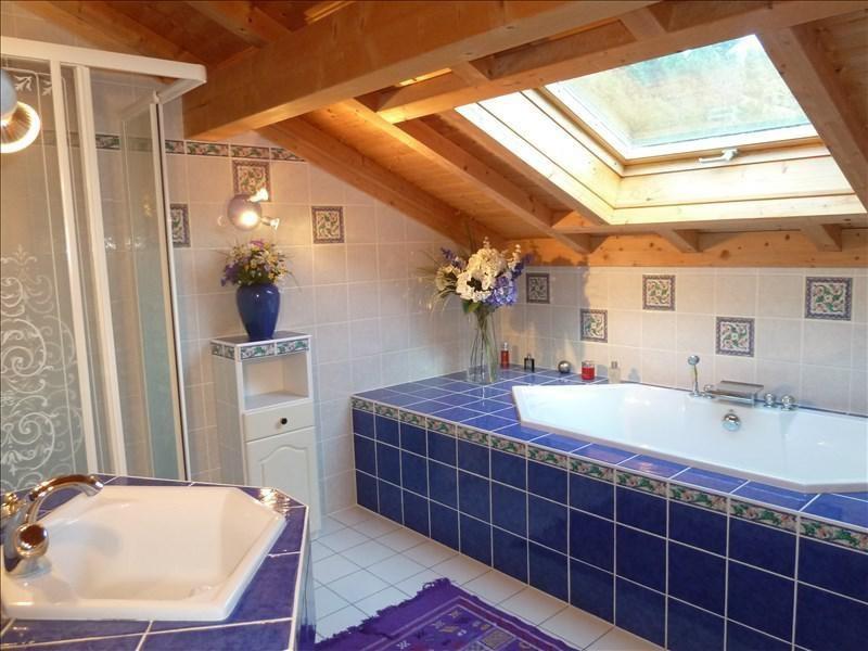 Deluxe sale house / villa Seytroux 595000€ - Picture 10