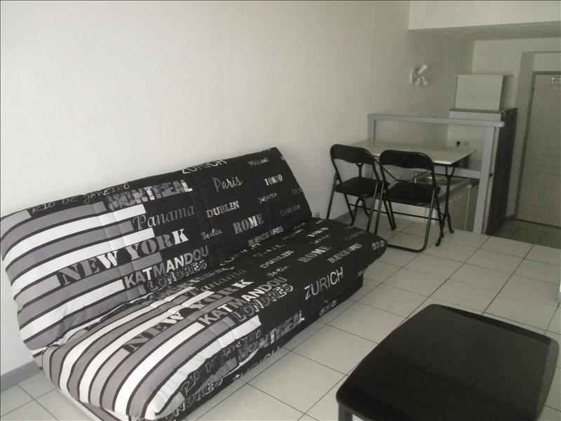 Rental apartment Nimes 365€ CC - Picture 1