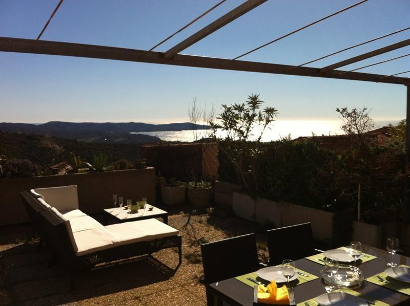 Location vacances appartement Cavalaire 420€ - Photo 3