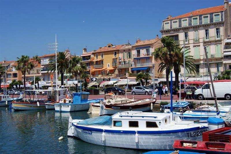 Location vacances appartement Bandol 380€ - Photo 8