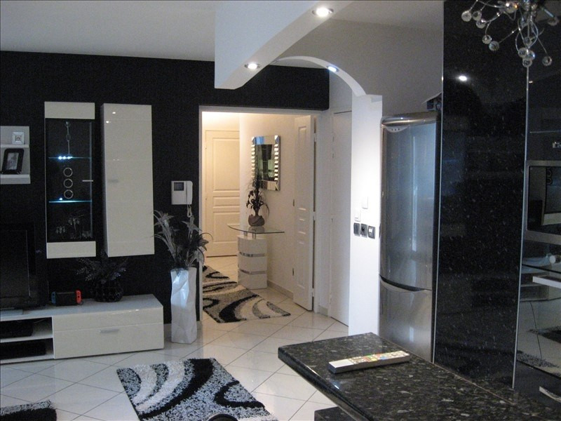 Sale apartment Grenoble 229000€ - Picture 2