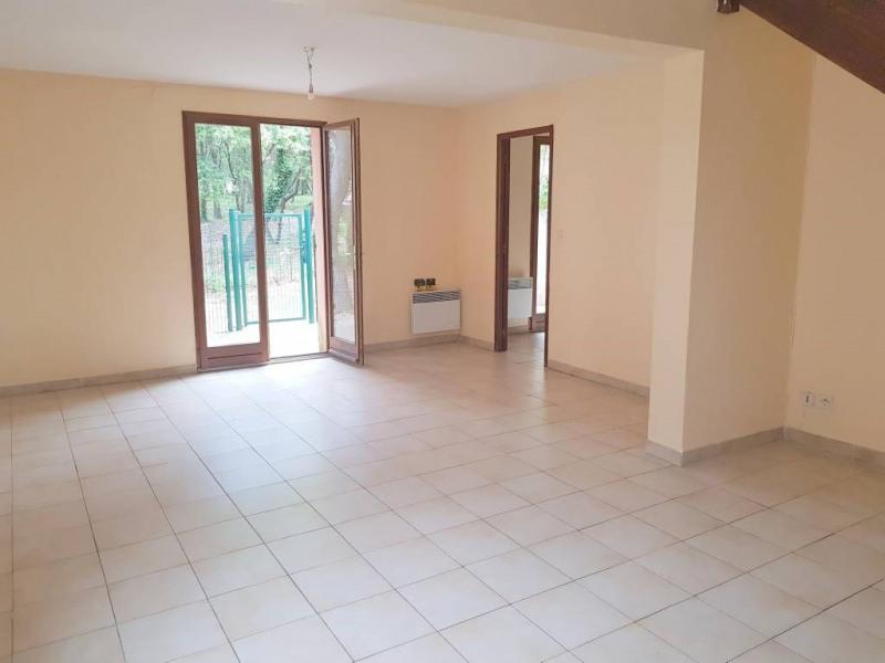 Rental house / villa Rochefort-du-gard 888€ CC - Picture 1
