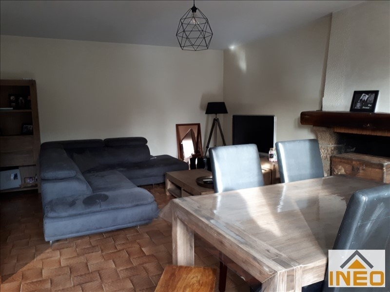 Location maison / villa Montreuil le gast 825€ CC - Photo 2