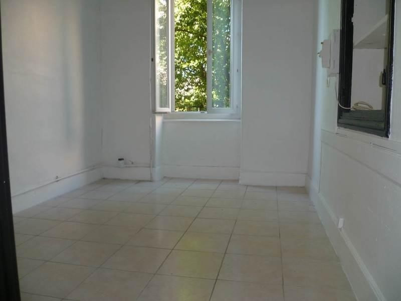 Rental apartment Bourgoin-jallieu 400€ CC - Picture 1