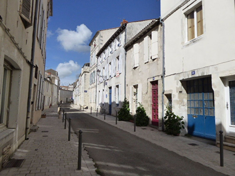 Sale apartment La rochelle 161 000€ - Picture 1