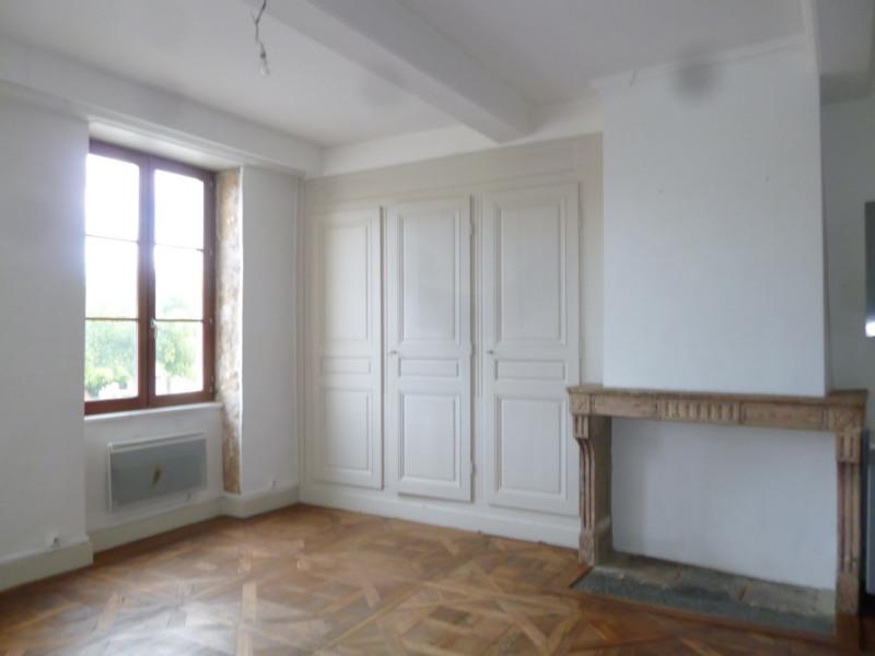 Rental apartment St genis laval 572€ CC - Picture 1