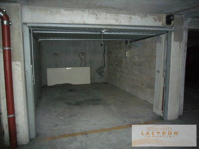 Rental parking spaces Marseille 8ème 110€ CC - Picture 1