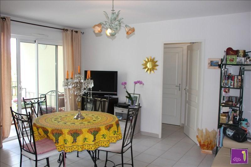 Verkoop  appartement Uzes 168000€ - Foto 2