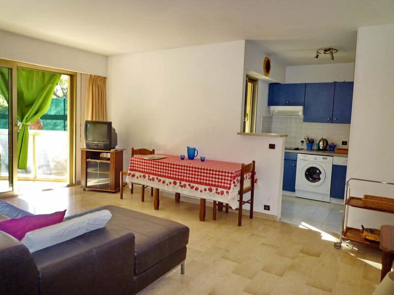 Rental apartment Nice 857€ CC - Picture 3
