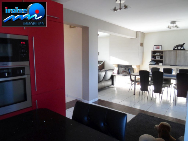 Sale house / villa Guilers 243400€ - Picture 2